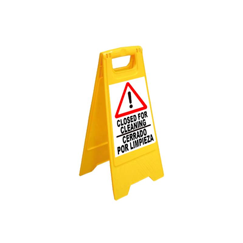 Caballete Cerrado por limpieza / Closed for cleaning