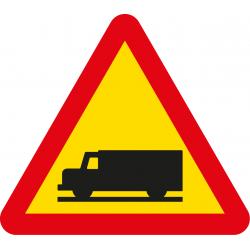 Señal Metálica Vial Salida de Camiones 70cm